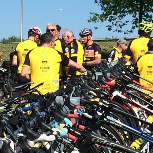 Joop Zoetemelk stalt zijn kostbare fiets ook veilig bij racefietsparkeren.nl.